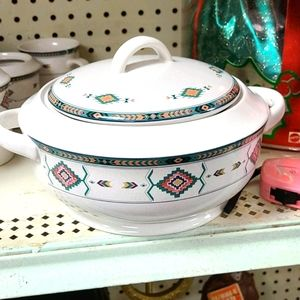 STUDIO NOVA ADIRONDACK COVERED CASSEROLE/VEGETABLE